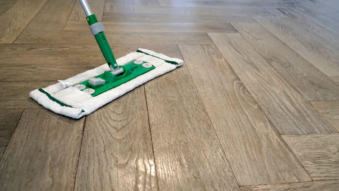 Waarom uw houten vloer dweilen banner